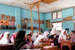 Kemendikbud Akan Merehab 78 Ribu Ruang Kelas di 2018
