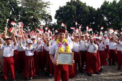 Hazel Siswa Kelas VI SD Bosowa Bina Insani Bogor Juara Karate Nasional