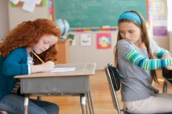 5 Cara Jitu Mengatasi Kebiasaan Anak yang Suka Mencontek