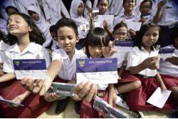 Anak TKI di Malaysia Bisa Punya Kartu Indonesia Pintar