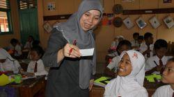 Tingkatkan Kualitas Guru Lewat School Experience