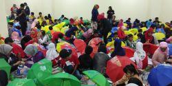 Keseruan Anak Berkebutuhan Khusus Saat Diajak Melukis Payung