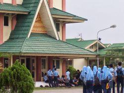 Mendekatkan Pendidikan di Daerah 3t Melalui Sekolah Berbasis Asrama