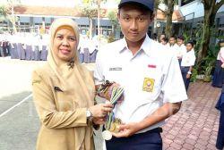 Siswa SMPN 3 Jember Sabet 4 Medali