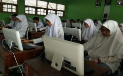 Sulawesi Tengah Gotong Royong Wujudkan Unbk 100 Persen