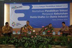 Persiapkan Lulusan SMK Menghadapi Persaingan Masyarakat Ekonomi ASEAN