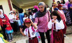 Antarkan Anak Upaya Antisipasi Perpeloncoan dan Bullying di Sekolah