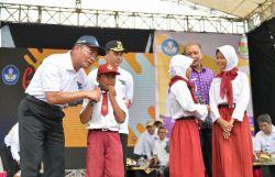 Gebyar Dikbud: Kemendikbud Beri Bantuan Rp954,9 M untuk Afirmasi Layanan Pendidikan di Tangerang