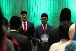 Lantik Pejabat Kemendikbud, Menteri Muhadjir Tekankan Standar Kualitas Pejabat Asn