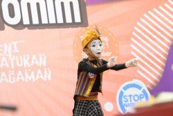Belajar Berimajinasi dan Fokus dengan Pantomim