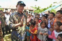 Tinjau Sekolah Pasca Gempa di Maluku, Mendikbud Imbau Siswa Kembali ke Sekolah