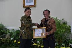 Menuju Informatif, Kemendikbud Raih Anugerah Keterbukaan Informasi Badan Publik 2019